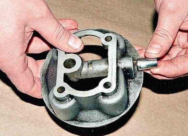 Нет давления масла в двигателе: причины падения давления и способы его повышения