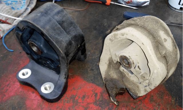 Как заменить подушку двигателя