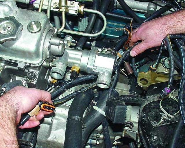 Термостат на ВАЗ: как заменить термостат ВАЗ 2110