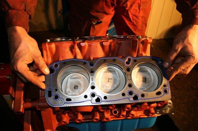 Как снять головку блока цилиндров на двигателе