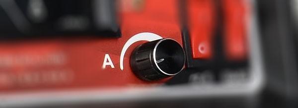 Устройство для запуска двигателя с севшим аккумулятором