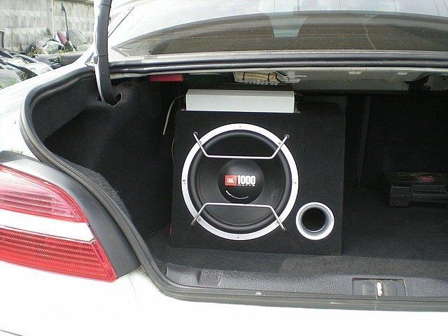 Как подключить сабвуфер в машину своими руками