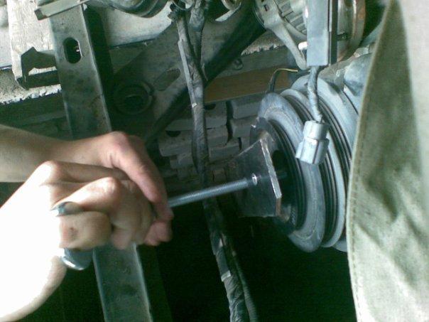Как открутить шкив коленвала