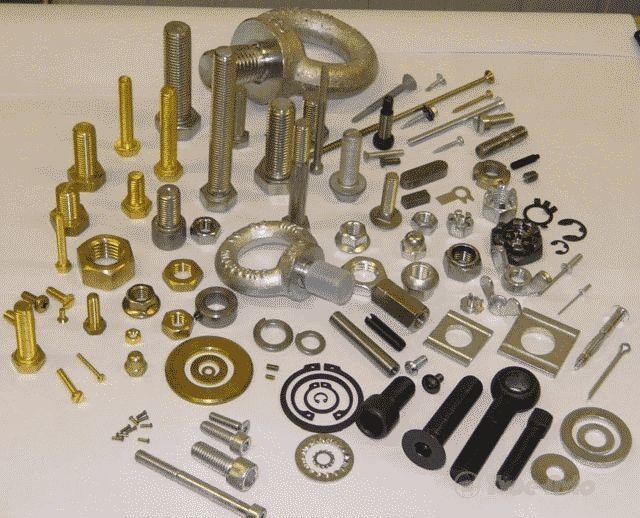 Как выкрутить обломившийся болт из блока двигателя или других узлов: доступные способы