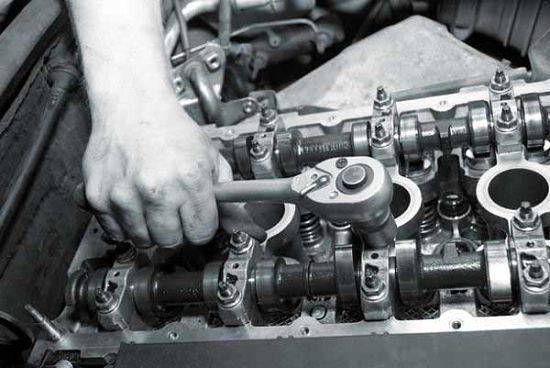 Вибрация двигателя на холостых передается на кузов