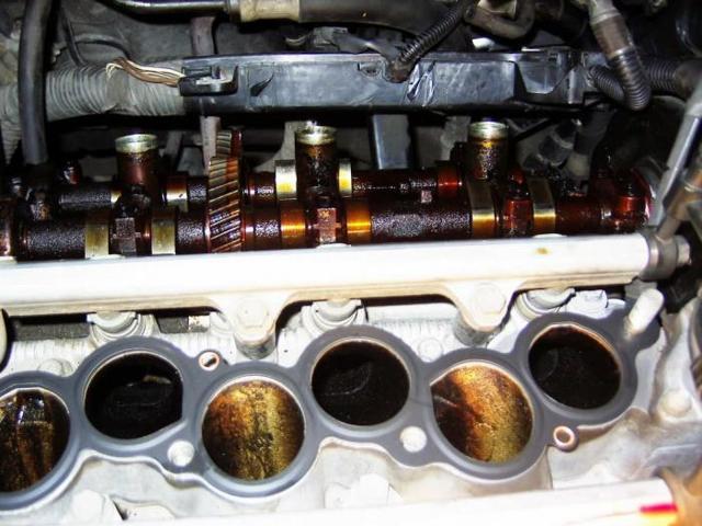 Промывочное масло для двигателя: как выбрать лучшее