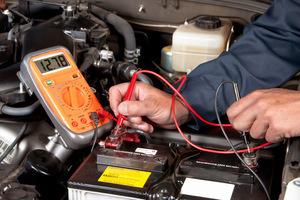 Уровень электролита в аккумуляторе автомобиля: как проверить и откорректировать