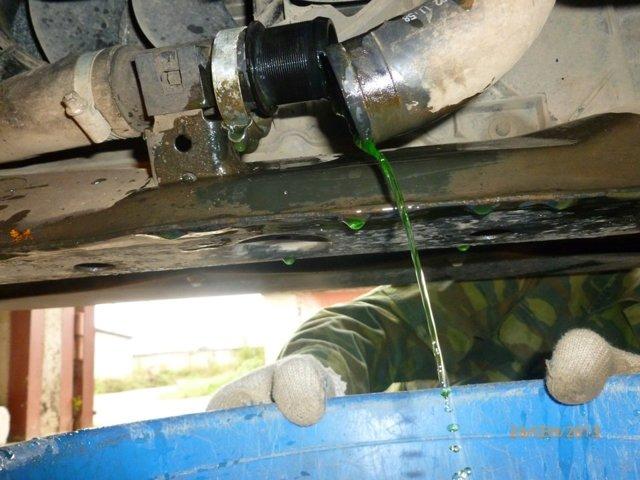 Как слить антифриз с блока двигателя