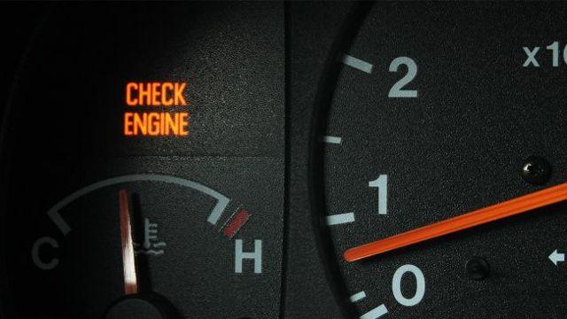 Загорелся «чек» двигателя на приборной панели: почему так происходит
