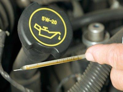 Как часто нужно менять масло в двигателе