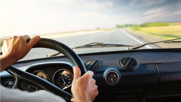 Как научиться ездить на механике с нуля: основы