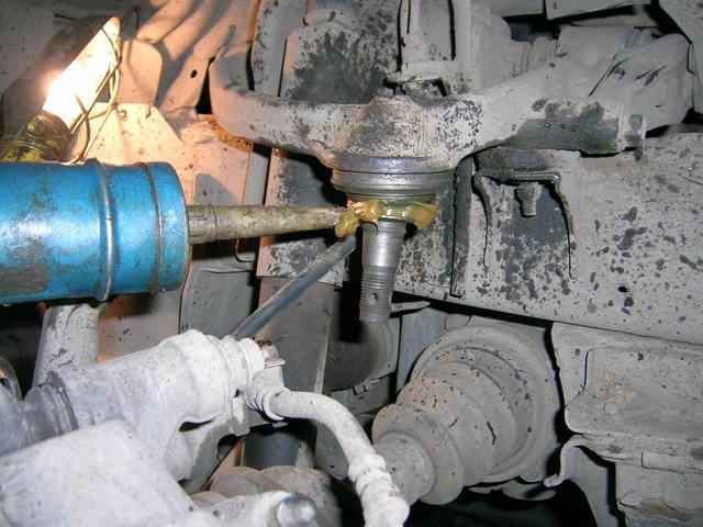 Замена шаровых опор и восстановление (реставрация): что нужно знать