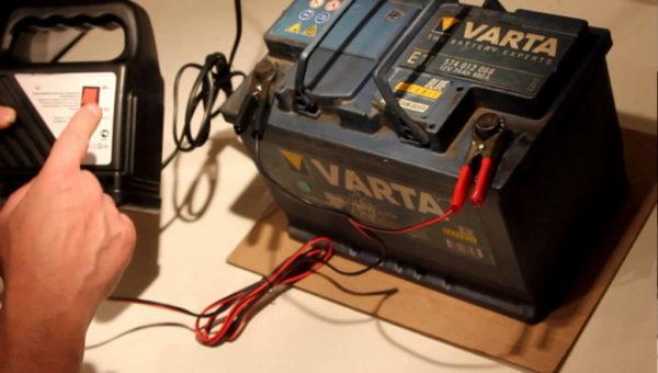 Как зарядить необслуживаемый аккумулятор автомобиля