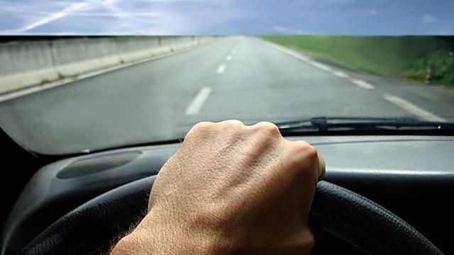 Подергивание двигателя на холостых оборотах: причины неисправности