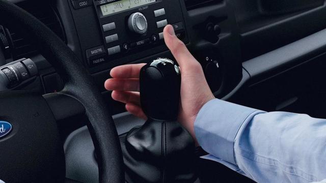 Как переключать передачи на механике правильно