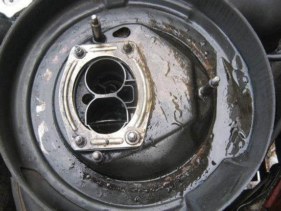 Бензин в масле двигателя: причины и решение проблемы