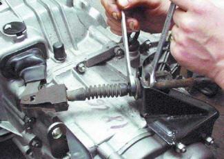 Регулировка педали сцепления: как выполняется процедура