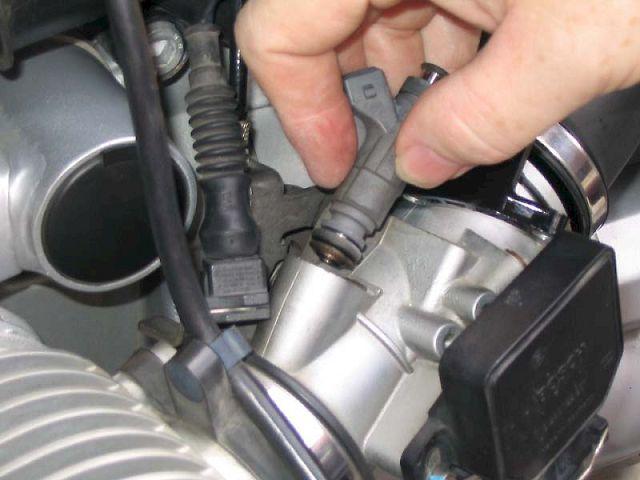 Не сбрасываются обороты двигателя: возможные причины