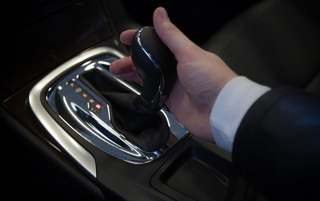 Как управлять машиной с автоматической коробкой передач и пользоваться данным типом КПП
