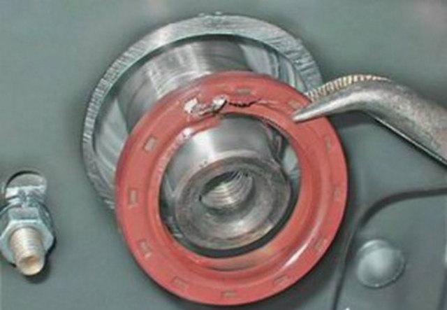 Как заменить передний или задний сальник коленвала если он течет