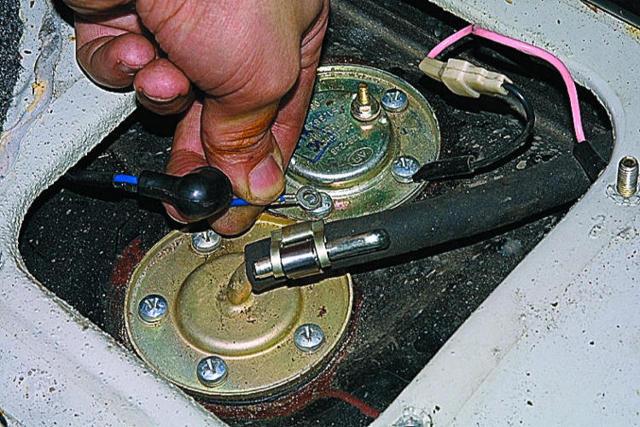Датчик уровня топлива: что такое ДУТ, устройство и принцип работы