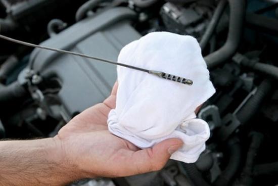 Двигатель в масле: причина утечки смазки из двигателя