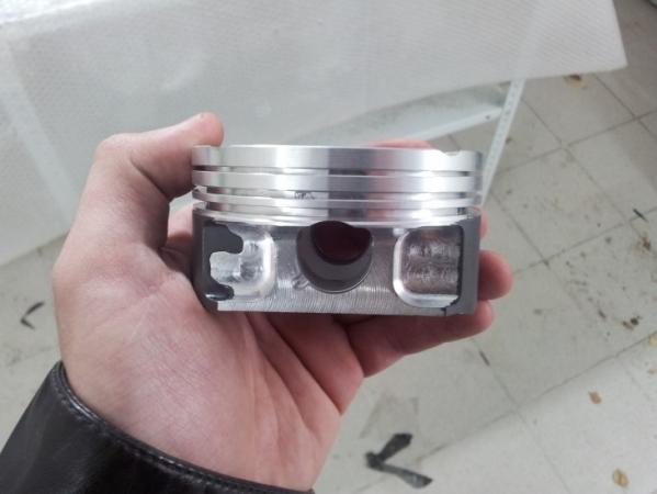 Поршень двигателя внутреннего сгорания