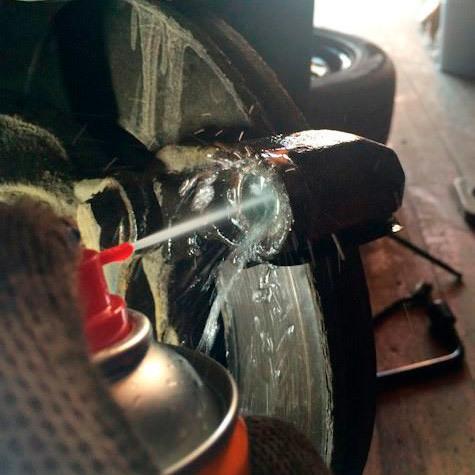Почему скрипят тормоза при торможении: основные причины