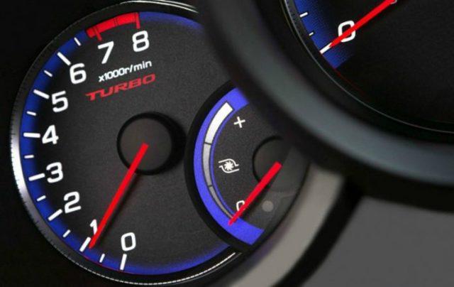 Обороты двигателя и скорость движения: как экономить топливо и не «убить» двигатель