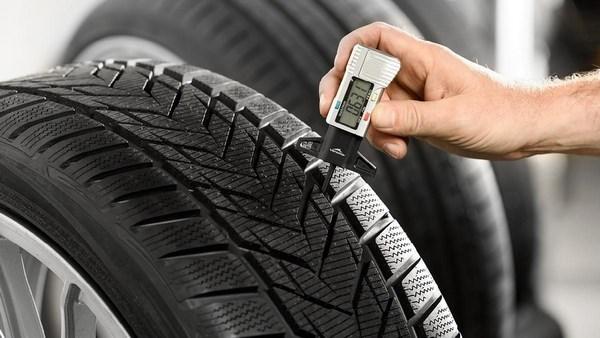Ошиповка шин: как купить ремонтные шипы правильно