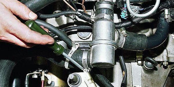 Какой двигатель лучше: 8 или 16 клапанный