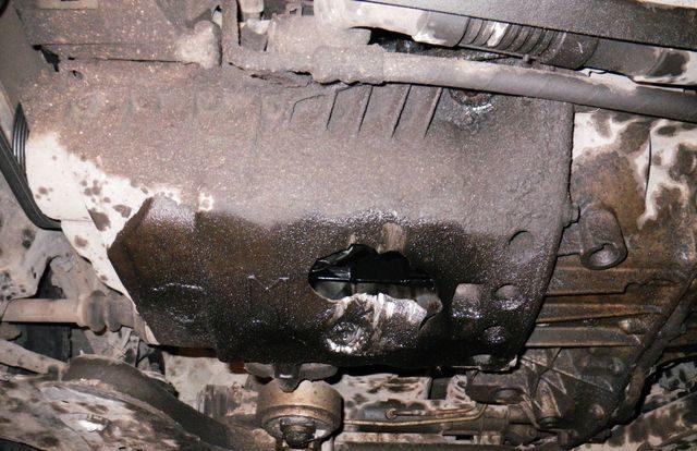 Пробил поддон двигателя: что делать в этом случае
