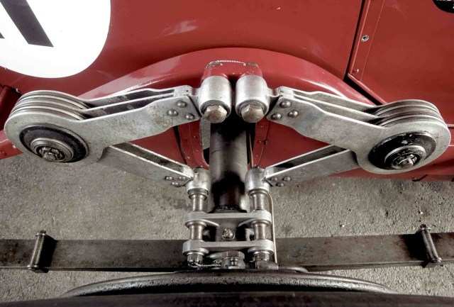 Амортизатор автомобиля: устройство, виды, особенности и подбор амортизаторов