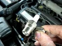 Почему не поступает бензин в двигатель: основные причины
