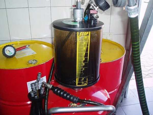 Экспресс-замена масла в двигателе автомобиля: особенности процедуры, преимущества и недостатки